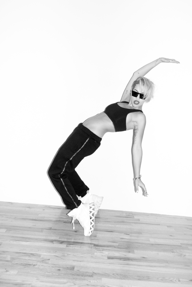 RITA-ORA-TERRY-RICHARDSON-PHOTOGRAPHY-MUSIC-FAMOUS-PEOPLE-MODADDICTION-9