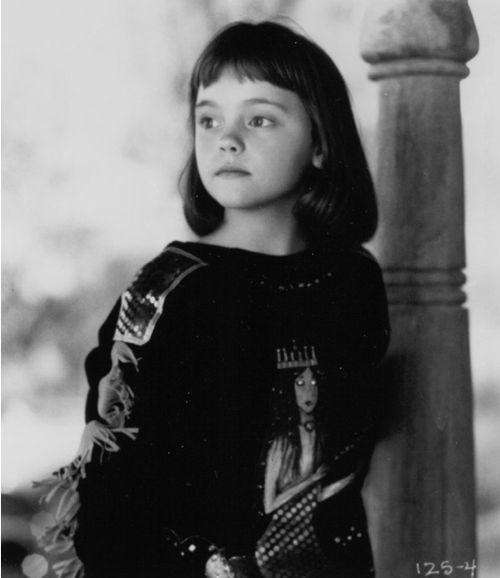Christina-Ricci-actress-looks-blog-modaddiction-1