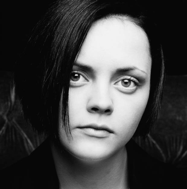 Christina-Ricci-actress-looks-blog-modaddiction-6c