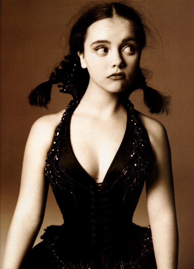Christina-Ricci-actress-looks-blog-modaddiction-7c