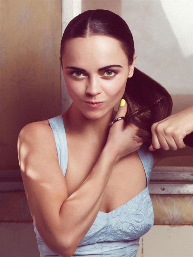 Christina-Ricci-actress-looks-blog-modaddiction-9b