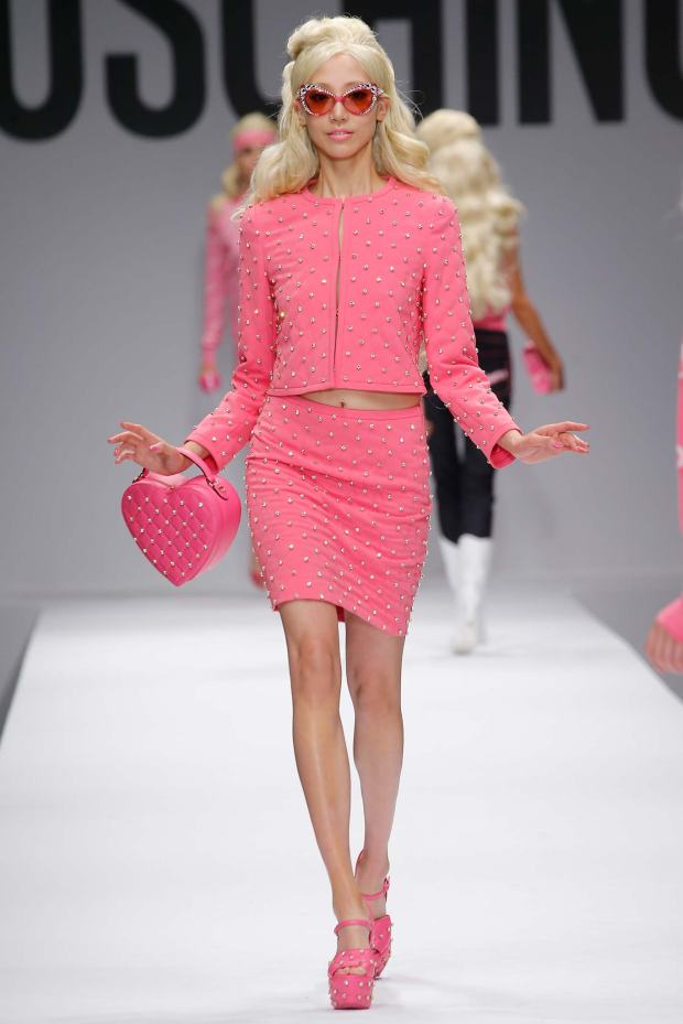 moschino-capsule-collection-spring-summer-barbie-pink-color-fashion-trends-blog-modaddiction-6