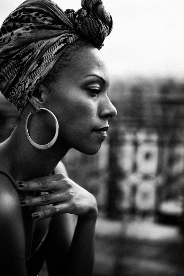 MARIA MANGOLD + PHOTOGRAPHY + Una mirada que habla